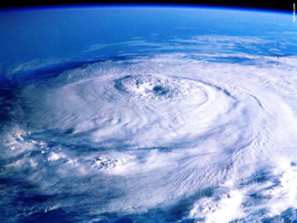 ハリケーン: 熱帯性低気圧。さて他の2つの名前は分かりますか?