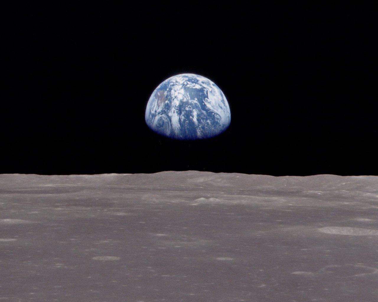 世界を見下ろす遥かなる大地: 近くて遠くて分かるようで分からない地球の相棒。