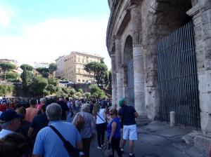 コロッセオの行列