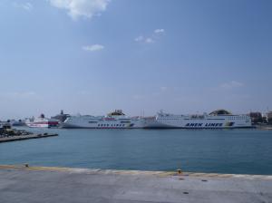 ピレウス港