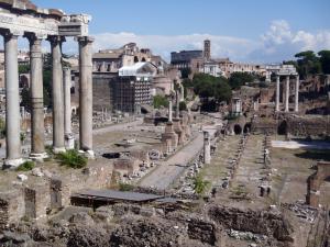 コロッセオ近くの考古学遺跡