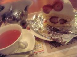 イタトマのケーキセット(イチゴショート)