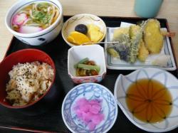 彦根・吉兵衛の「竹生定食」3