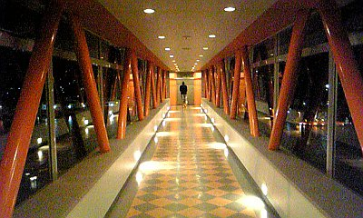 071230ホテル渡り廊下
