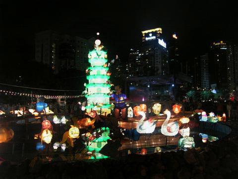 lantern3.jpg