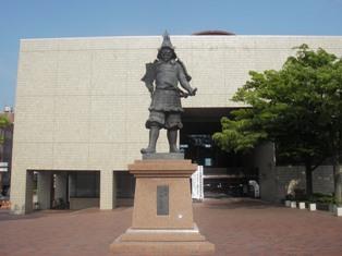 津軽為信土王像