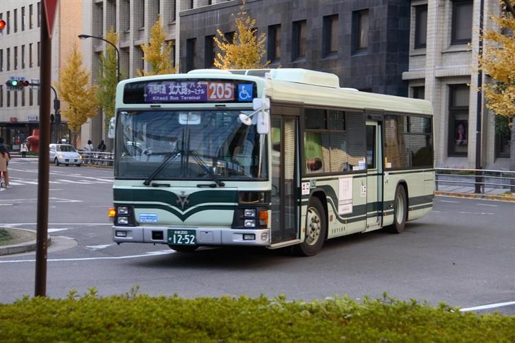 京都市バス 京都200か1252 いすゞPJ-LV234N1