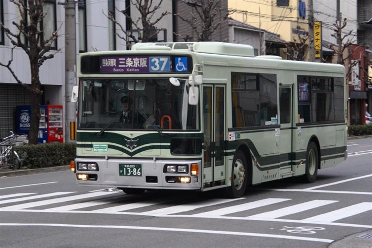 京都市バス 京都200か1386 いすゞPJ-LV234L1