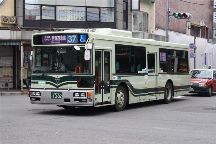 京都市バス 京都200か1392 いすゞPJ-LV234L1