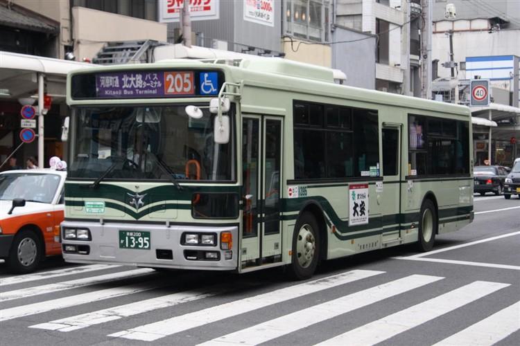 京都市バス 京都200か1395 いすゞPJ-LV234N1