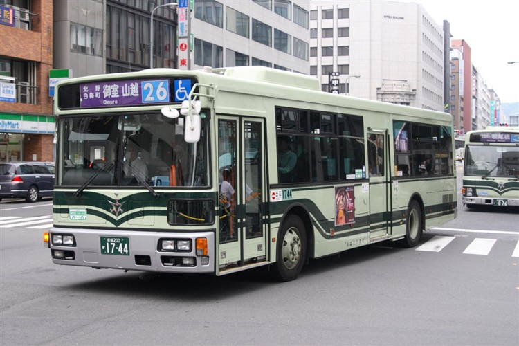 京都市バス 京都200か1744 三菱PDG-AA273MAN