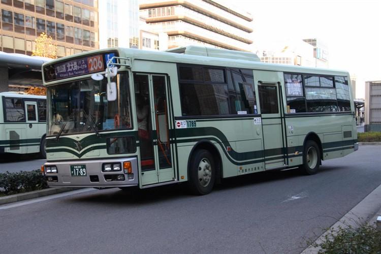 京都市バス 京都200か1789 いすゞPDG-LV234L2(ワンステ)