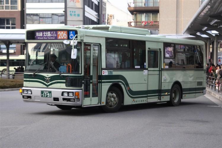 京都市バス 京都200か1791 いすゞPDG-LV234L2(ワンステ)