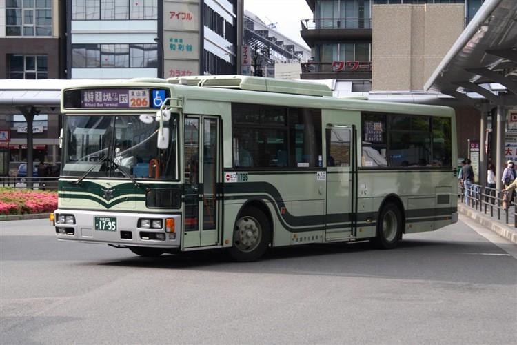 京都市バス 京都200か1795 いすゞPDG-LV234L2(ワンステ)