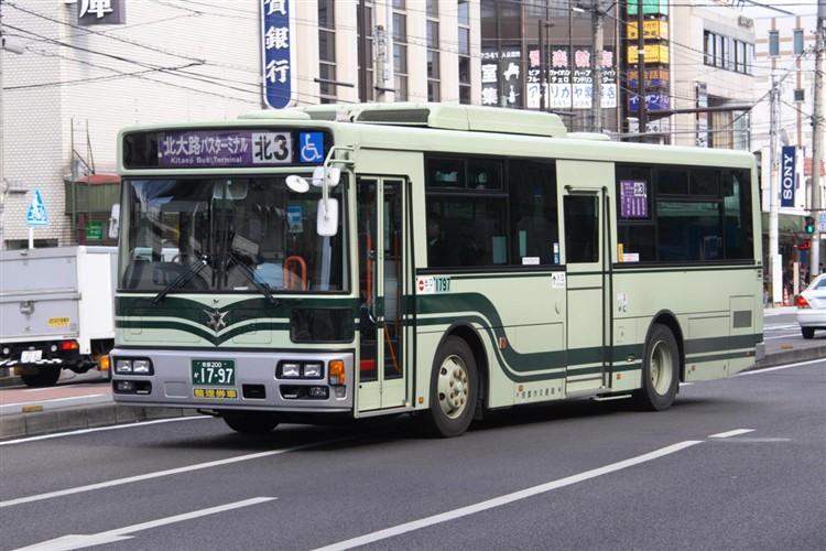 京都市バス 京都200か1797 いすゞPDG-LV234L2(ワンステ)