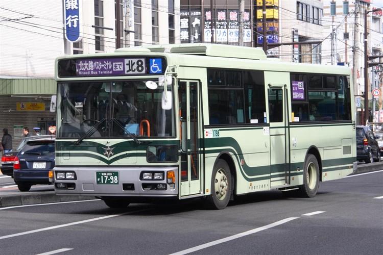 京都市バス 京都200か1798 いすゞPDG-LV234L2(ワンステ)
