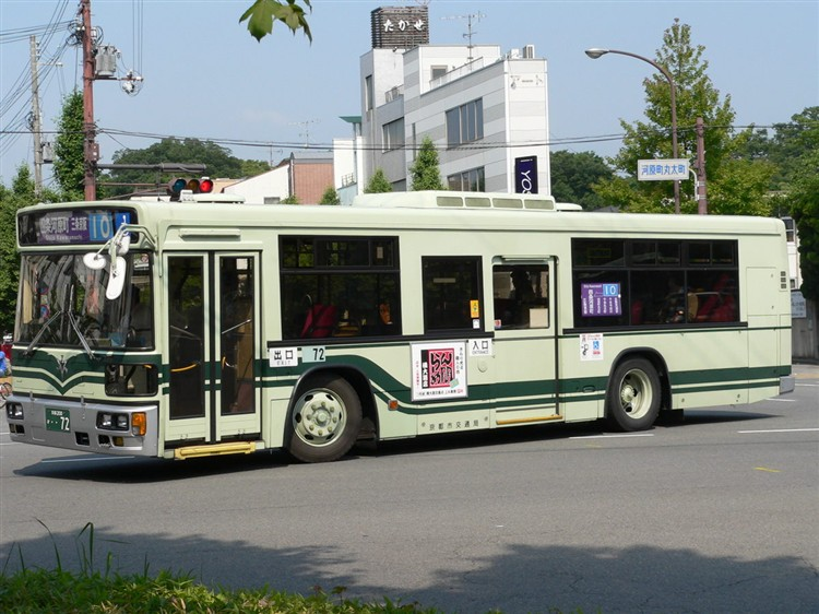 京都市バス 京都200か・・72 いすゞKC-LV832L1