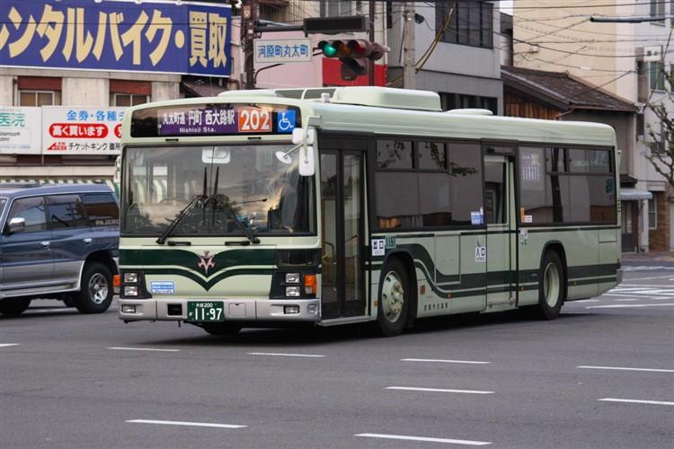 京都市バス 京都200か1197 いすゞPJ-LV234N1