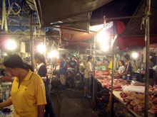 夜市というかAllDayMarketだなw 深夜なのに活気も凄い!