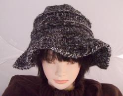 帽子3 女優気分??