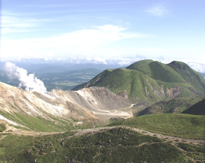 久住山山頂から三俣山P1010855