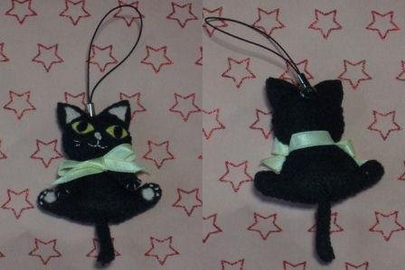 フェルト手芸 黒猫ちゃんのストラップ