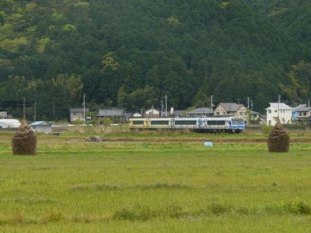 伊予石城駅付近 アンパンマン列車 3