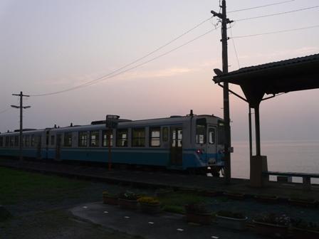 下灘駅 キハ32形 2