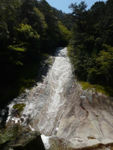 滑床渓谷 5 雪輪の滝