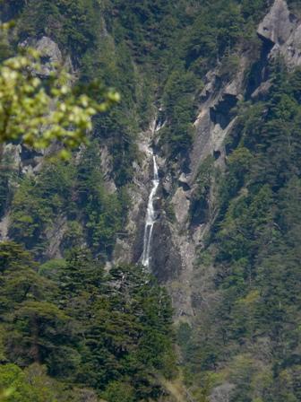 石鎚スカイラインから 御来光の滝