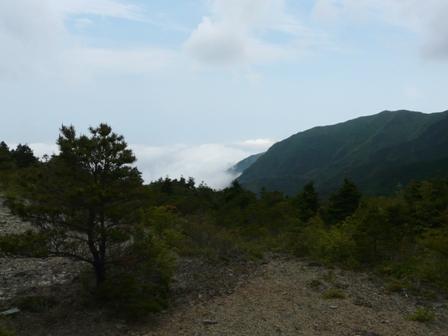 銅山越にて