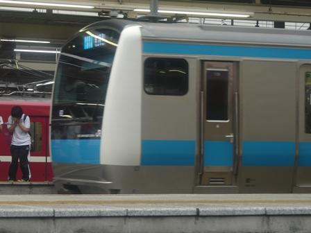 横浜駅 E233系電車