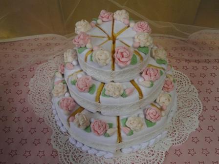 フェルト手芸 ウェディングケーキ 3段 1