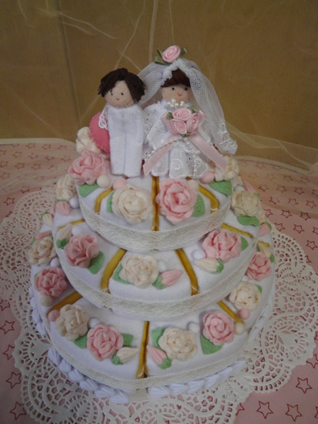 フェルト手芸 ウェディングケーキ 3段 4