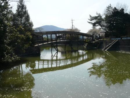 屋根付き橋 弓削神社 2