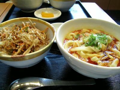 千吉カレーうどんとかき揚げ丼のセット