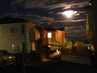 月がキレイだった~!でもブレブレ・・・