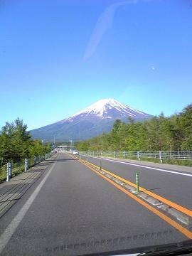 携帯からでもきれいに撮れるぐらいの富士山