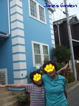 家の前でダンナ母&姪っ子Nちゃん