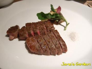 牛サーロインステーキとフィレステーキ