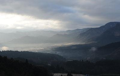 阿蘇山の朝靄