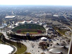 250px-Olympiastadion_1.jpg