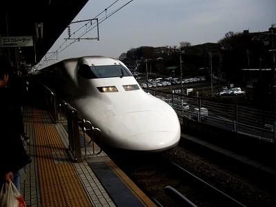 700系のぞみ・新横浜20091230