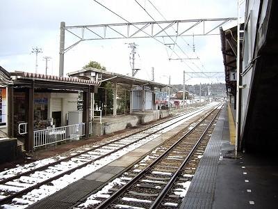 芦原温泉駅ホ-ム20100220