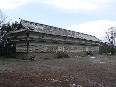 金沢城・三十間長屋1-20100220