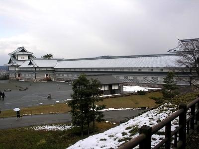 金沢城・五十間長屋と二の丸広場20100220
