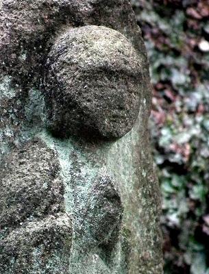 東慶寺の石仏20101205