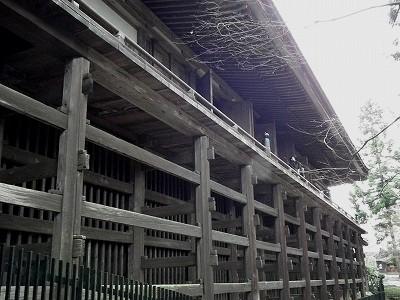 石山寺本堂の柱20101230