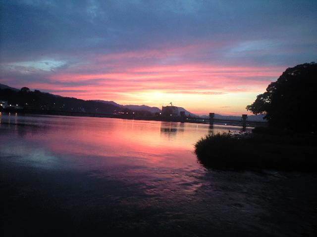 三隈川の夕日