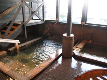 伊王島内風呂2